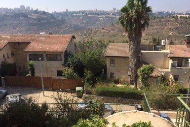 דו משפחתי למכירה בשכונת רמות ירושלים